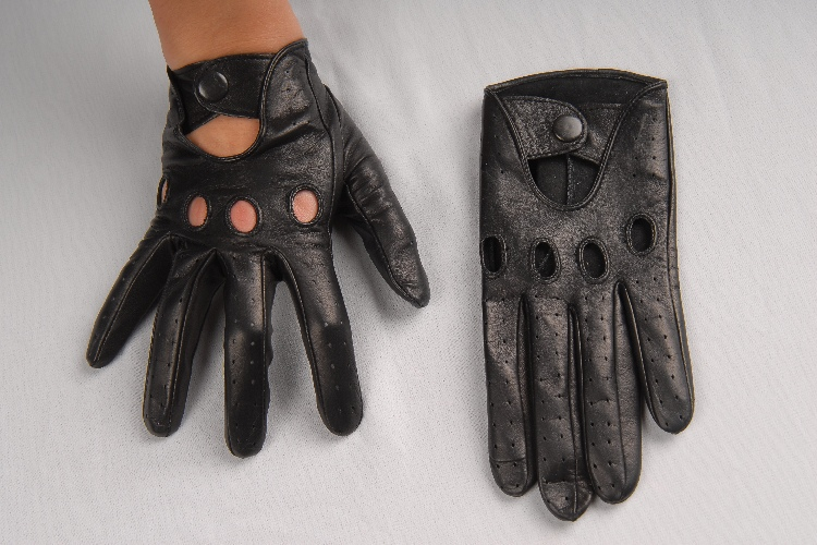 275b_1 Gloves: Classic Driving Black Leather Gloves!