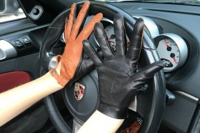 14_186_290x290 Gloves: Stylish Double Colored Driving Leather Gloves!