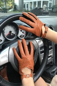 14_499_290x290 Gloves: Stylish Double Colored Driving Leather Gloves!