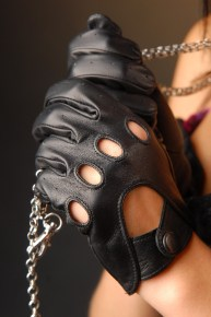 275b_8_290x290 Gloves: Classic Driving Black Leather Gloves!