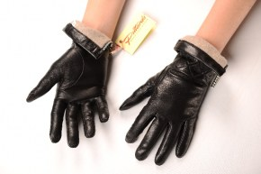 58_364_290x290 Gloves: Warm Stylish Black Leather Gloves with zippers!