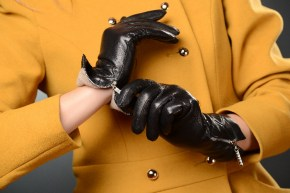 58_446_290x290 Gloves: Warm Stylish Black Leather Gloves with zippers!
