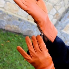 Cognac Classy Leather Gloves with zippers